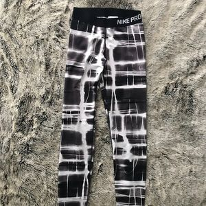 NIKE PRO ACTIVE LEGGINGS SIZE M